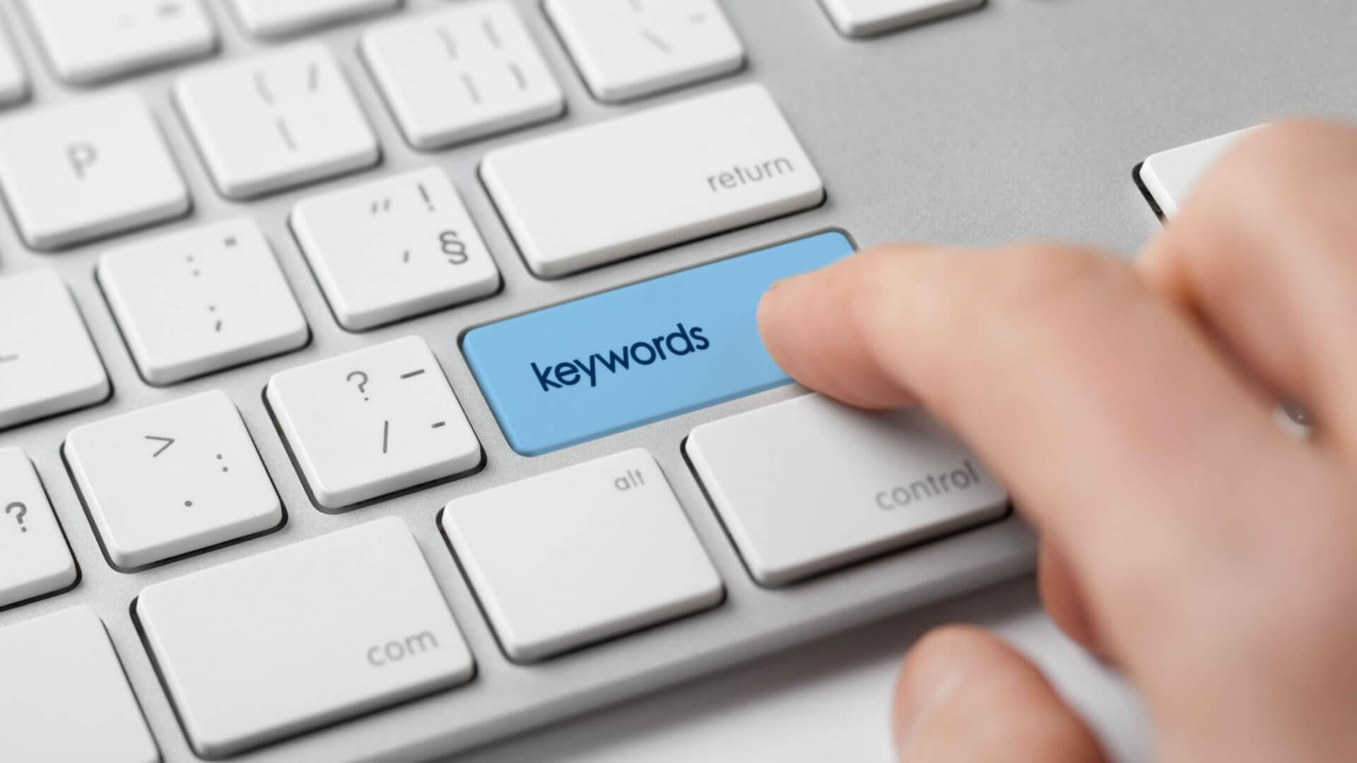 بررسی ترکیبی از اصطلاحات اصلی و کلمات کلیدی